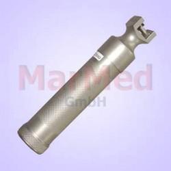 Zdroj teplého světla v rukojeti laryngoskopu na dvě minibaterie